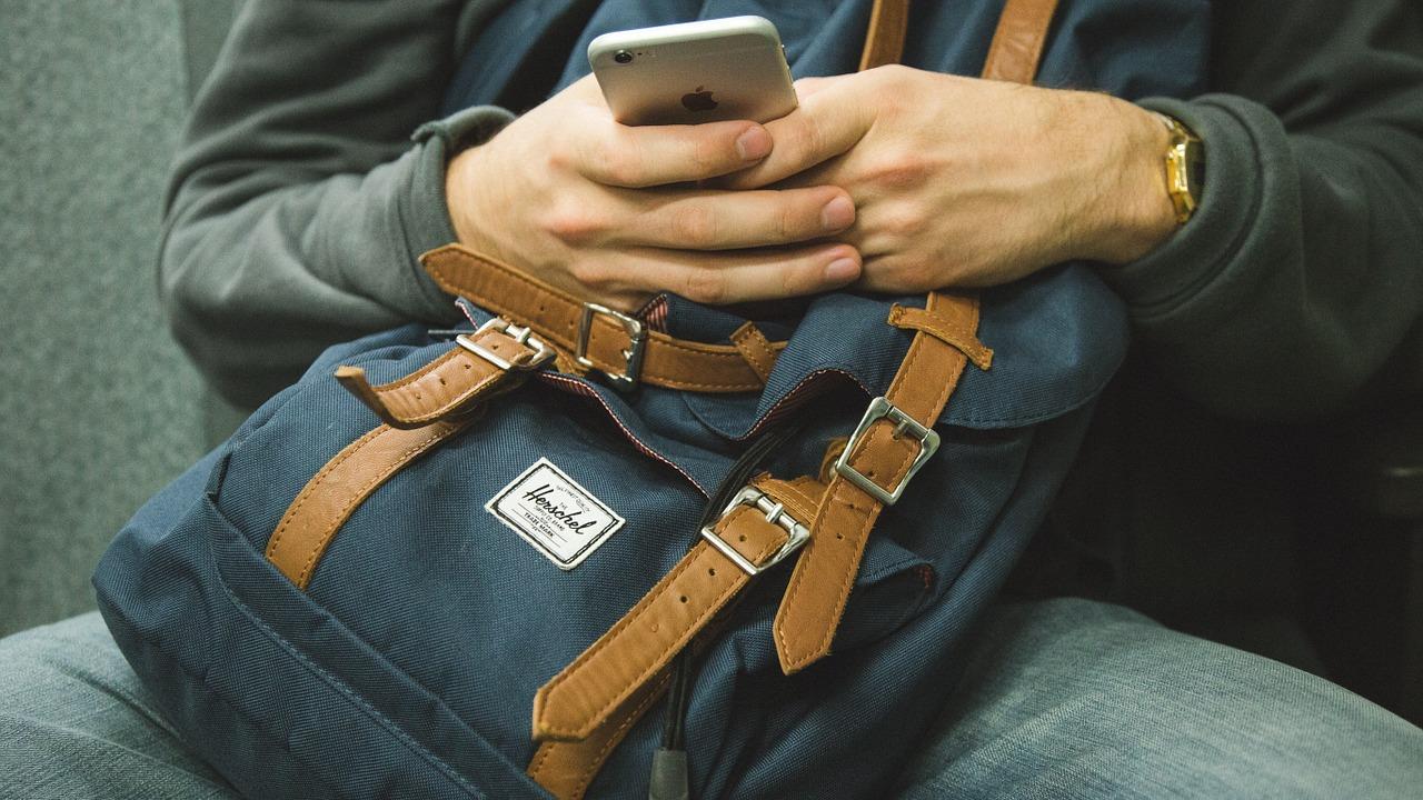 Mehr als jeder zweite konsumiert Nachrichten mobil