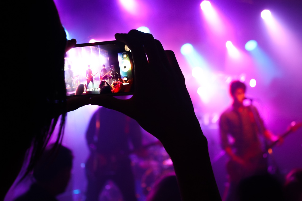 Live-Video: Instagram erlaubt Teilen per Story